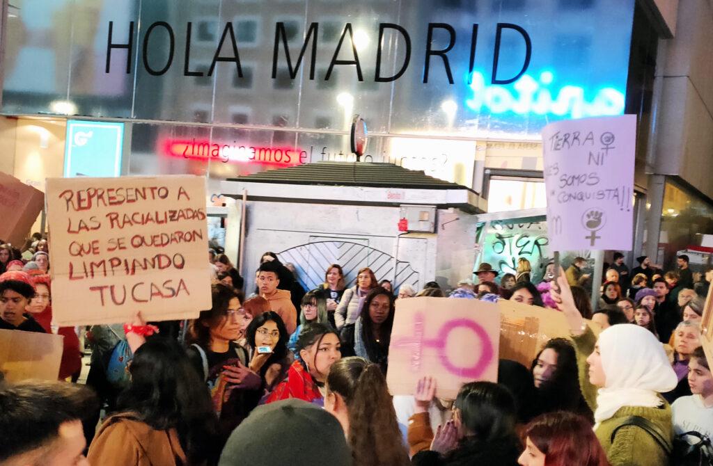 Hola Madrid. Escena de marcha feminista. Foto: Francis Sánchez.